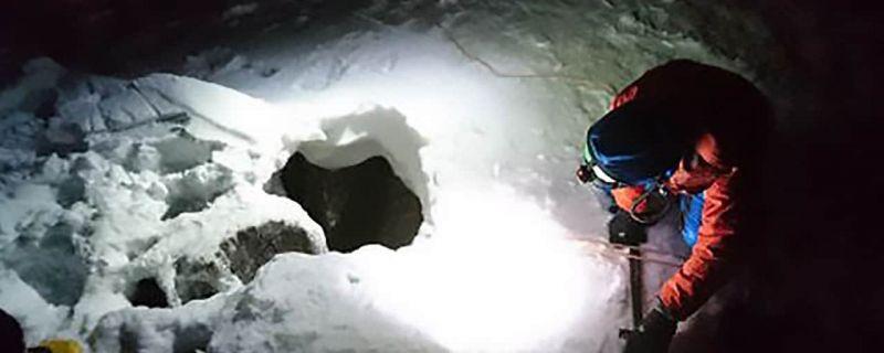 Hazañas de supervivencia (VII): Un alemán salva la vida al conseguir enviar un SMS desde una sima de 30 metros