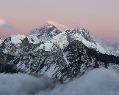 El brusco cambio del tiempo obliga a Txikon a abortar su ascenso al Everest sin oxígeno