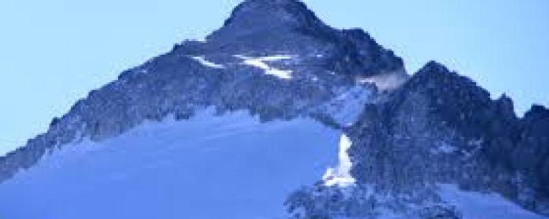 Aneto, el coloso de los Pirineos