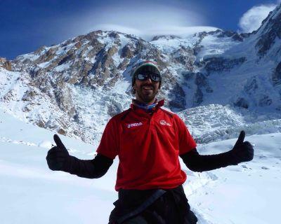 """Entrevista con Pello, cocinero de la expedición de Txikon al Nanga Parbat: """"Me pasaba de todo"""""""