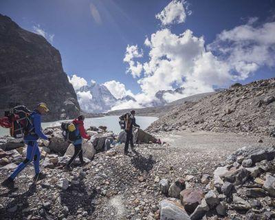 Iñurrategi, Vallejo y Zabalza avanzan hacia la conquista del Chamlang
