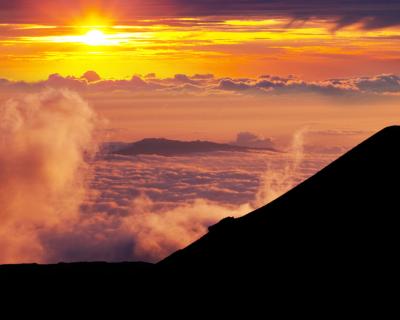 La cumbre más alta del planeta no es el Everest