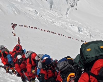 ¿Hay que tomar medidas contra la masificación en la montaña?