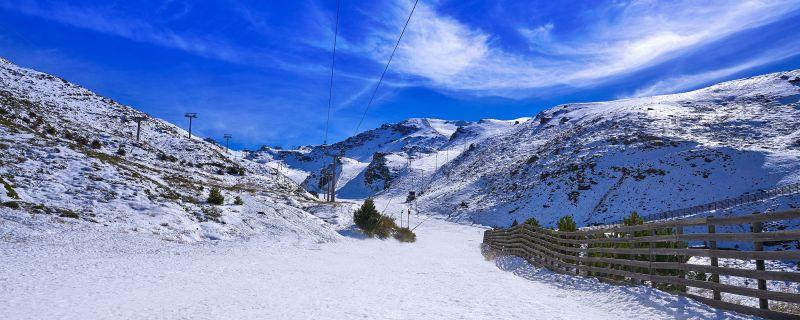 Las estaciones de esquí afrontan la nueva temporada con medidas anti COVID-19